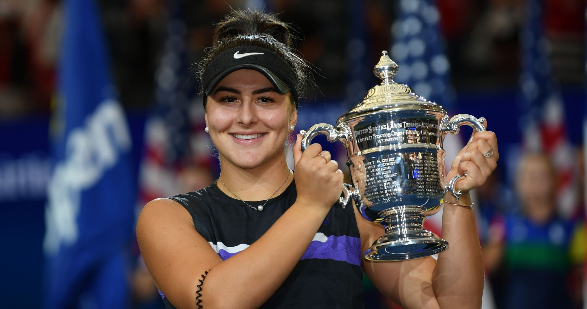 Bianca Andreescu with her 2019 US Open trophy