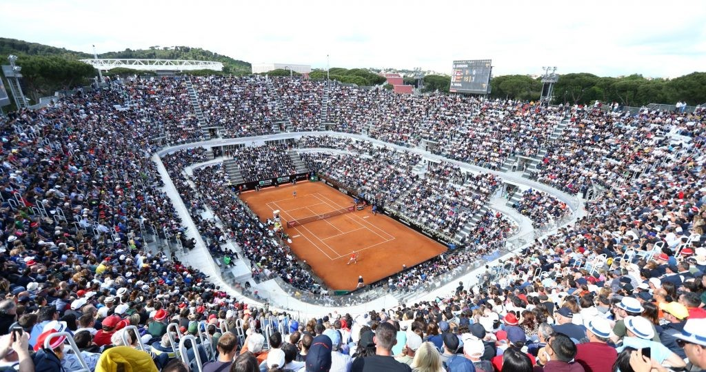 Rome central court can host 12,500 fans.