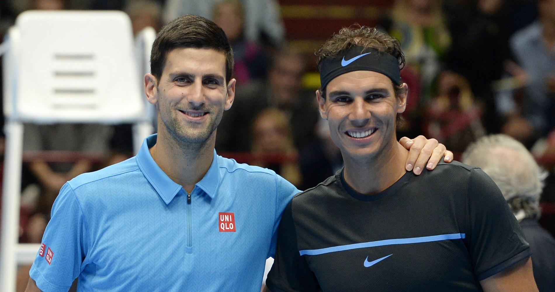 Rafael Nadal et Novak Djokovic lors d'une exhibition à Milan en 2016