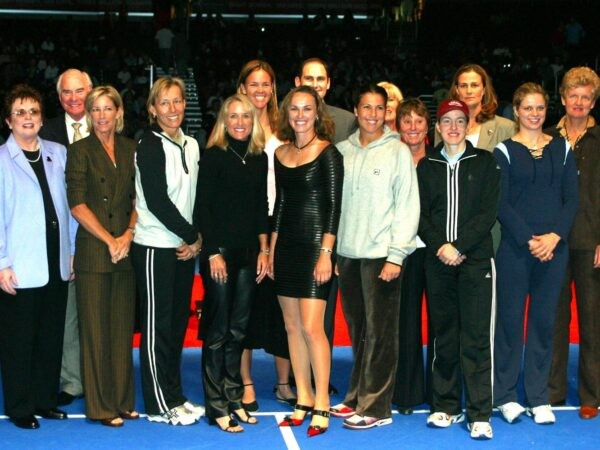 Players celebrating the 30 years of the WTA in 2003 at the WTA Masters
