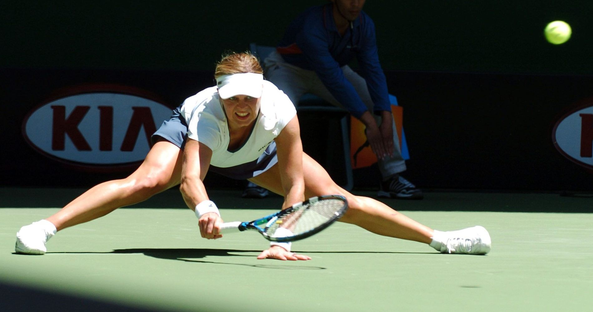 Clijsters in action during the 2007 Australian Open