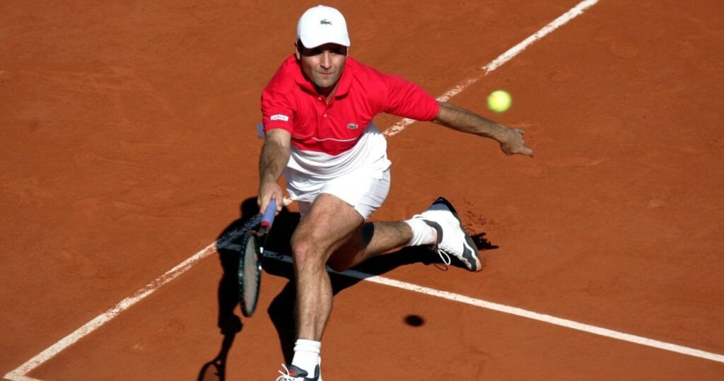 Fabrice Santoro at Roland-Garros in 2004