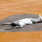 Gustavo Kuerten drew an heart on Roland Garros clay in 2001