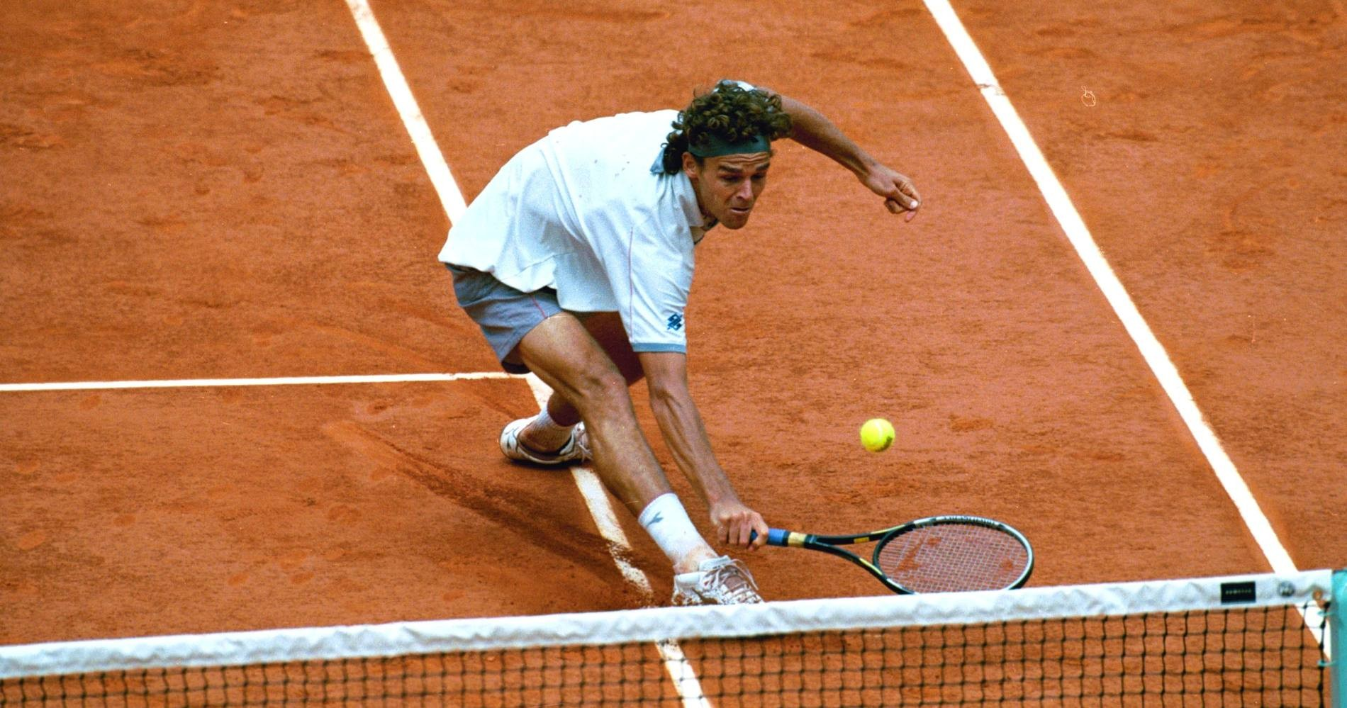 Guga Kuerten at the French Open in 2001