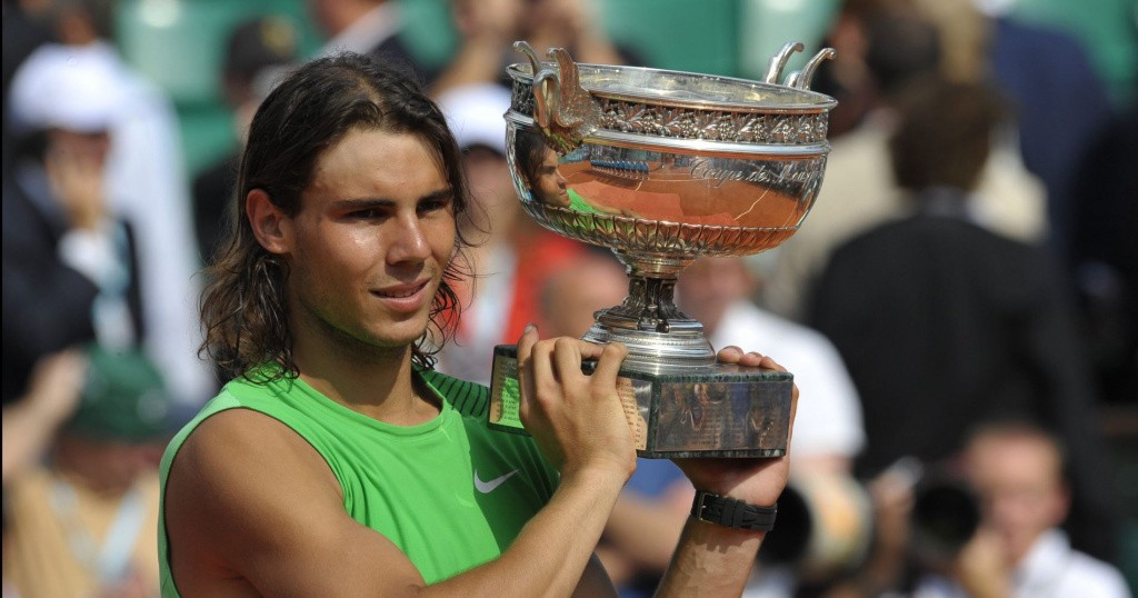 Rafael Nadal holding the French Open trophy in 2008