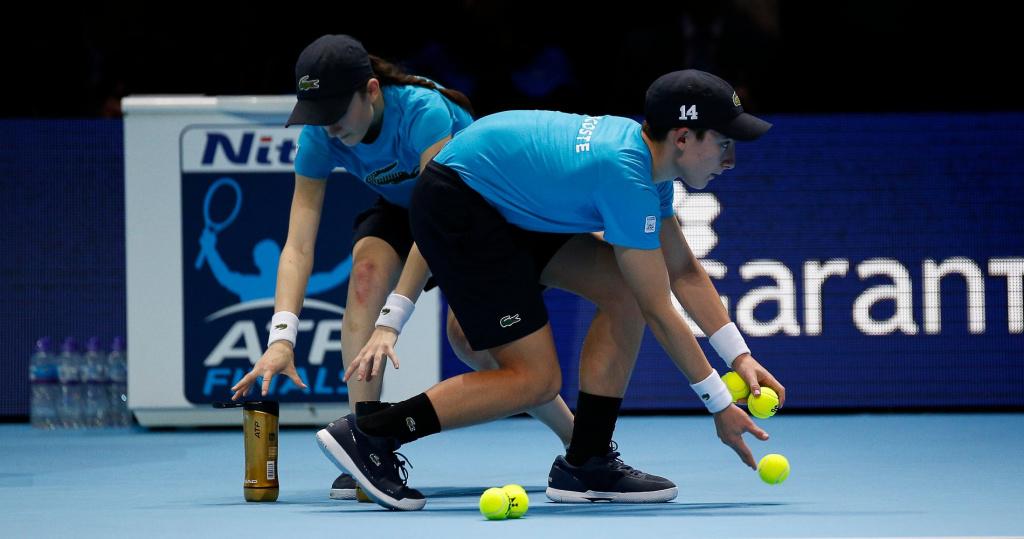 14th November 2017, O2 Arena, London, England; Nitto ATP Tennis Finals; Ball kids prepare new sets ball for the match