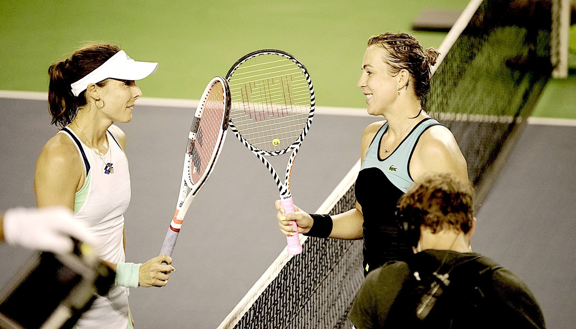Alizé Cornet and Anastasia Pavlyunchenkova shakinh hands after UTS2 Final, August 2020