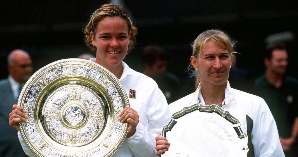 1999 Wimbledon champion Lindsay Davenport and runner-up Steffi Graf