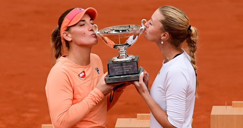 Timea Babos and Kristina Mladenovic, Roland-Garros, 2020