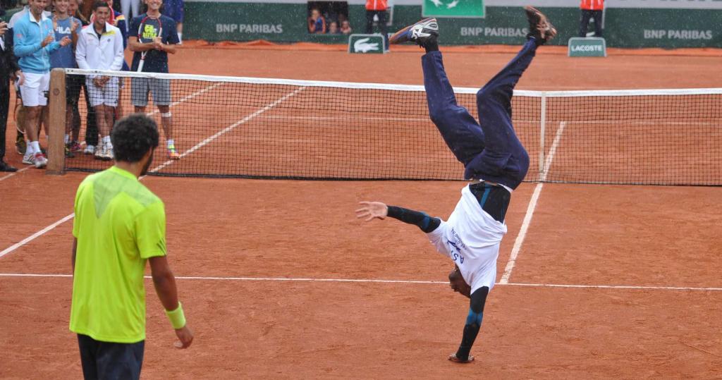 Gaël Monfils breakdancing, 2014 Roland-Garros