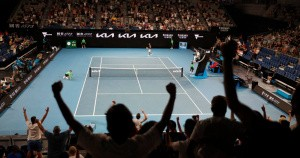Melbourne_crowd_2021