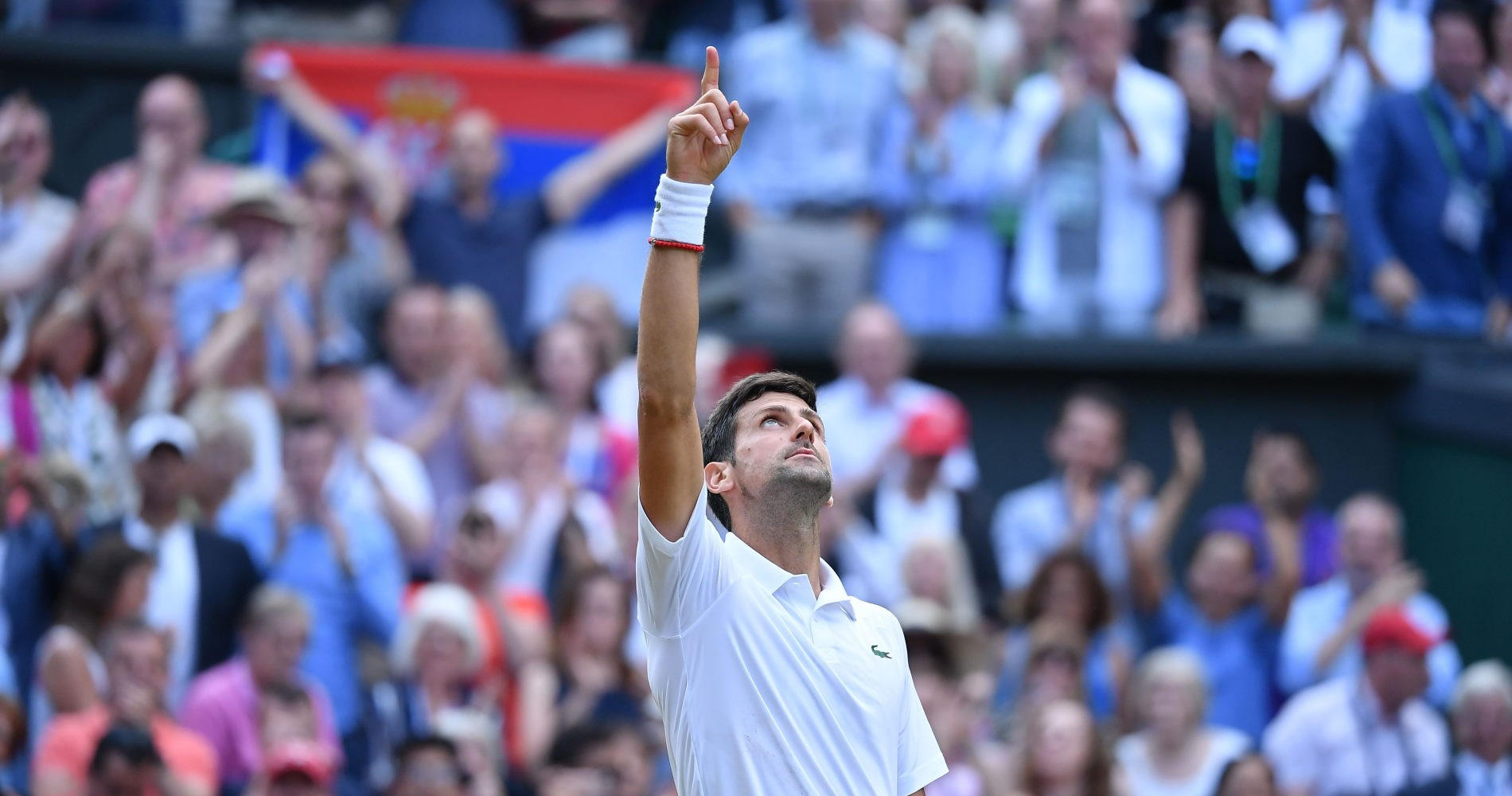 Novak_Djokovic_célébration_Wimbledon_2019
