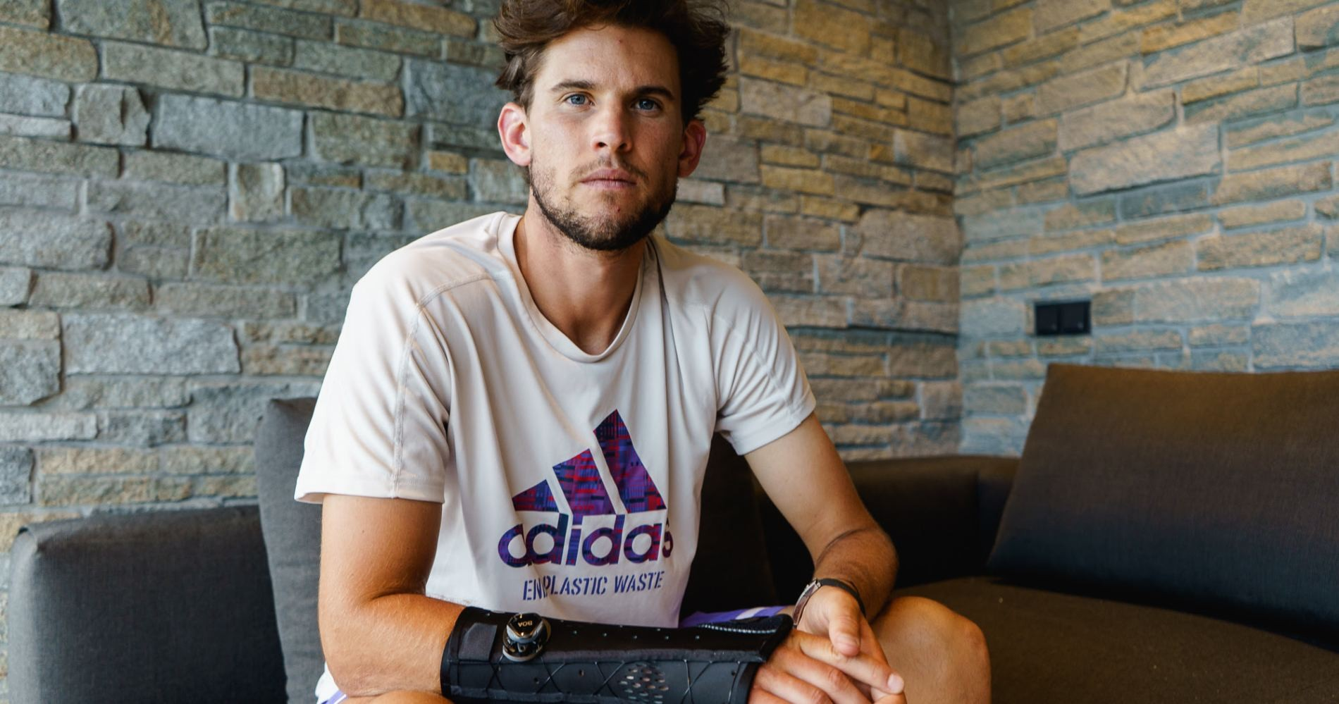 Dominic Thiem, with his injured right wrist