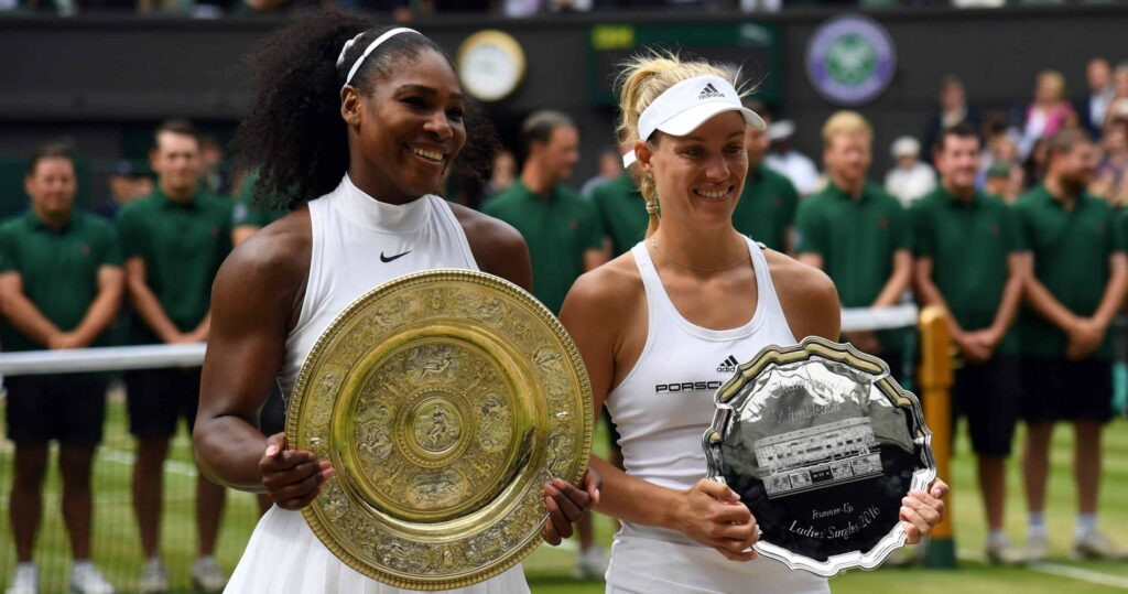 Serena Wiliams et Angelique Kerber après la finale de Wimbledon 2016